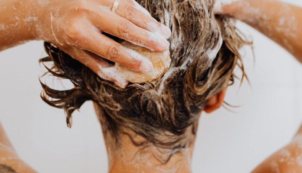 Anti-dandruff shampoo medicated in India